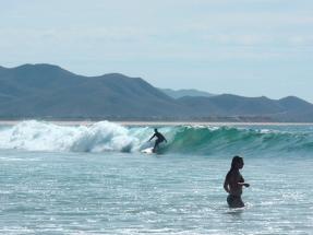cerritos_beach_surf